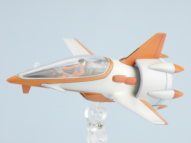 The 1/60 Fan Racer: Yamato's first Macross Model Kit