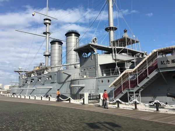 The exhibit was held on the Memorial Battleship MIKASA in Yokosuka.