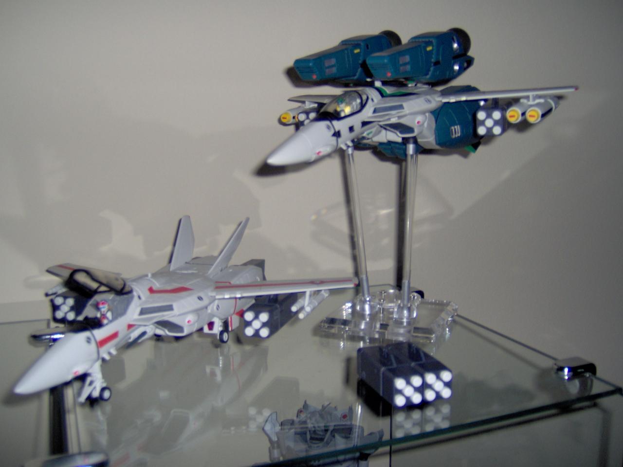 Hikaru's TV VF-1J with Kakizaki's DYRL Super VF-1A