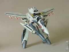 Yamato 1/60 VF-0S in gerwalk mode