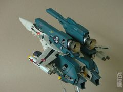 Yamato 1/48 VF-1S in fighter mode