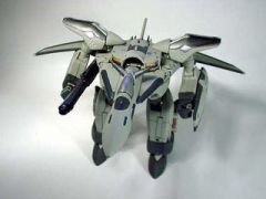 VF-19 Fire Valkyrie custom by Solscud007