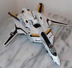 VF-19A 'Skull One' custom by Physioguy
