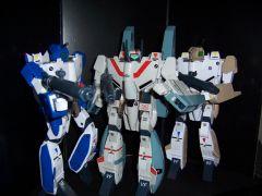 VF_1A_Max_Kakizaki_with_Hikaru2.jpg