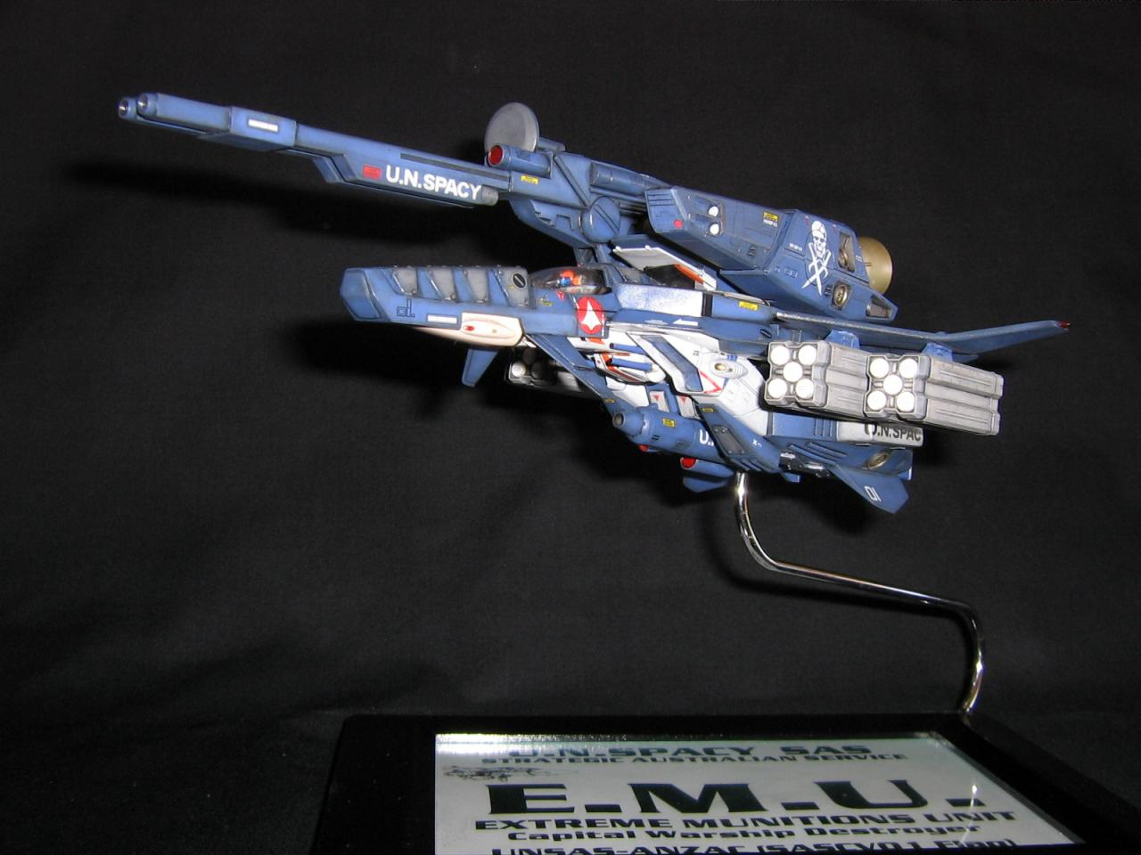 EMU Custom 000.jpg