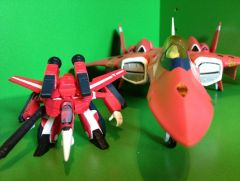 miria vf-22 with matching mini vf-1j