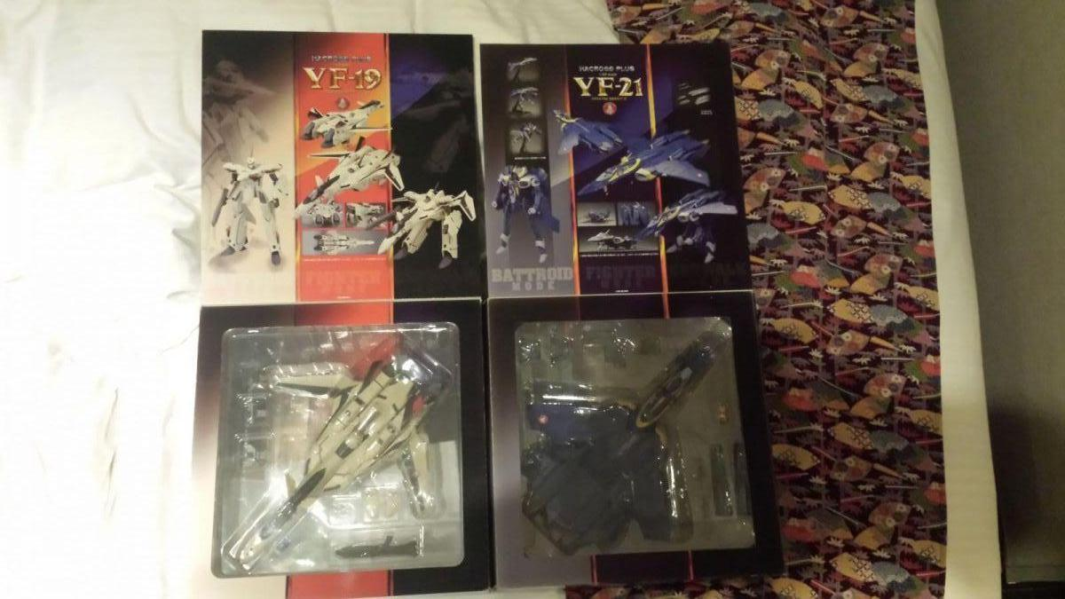 YF-19 and YF-21 form macross plus