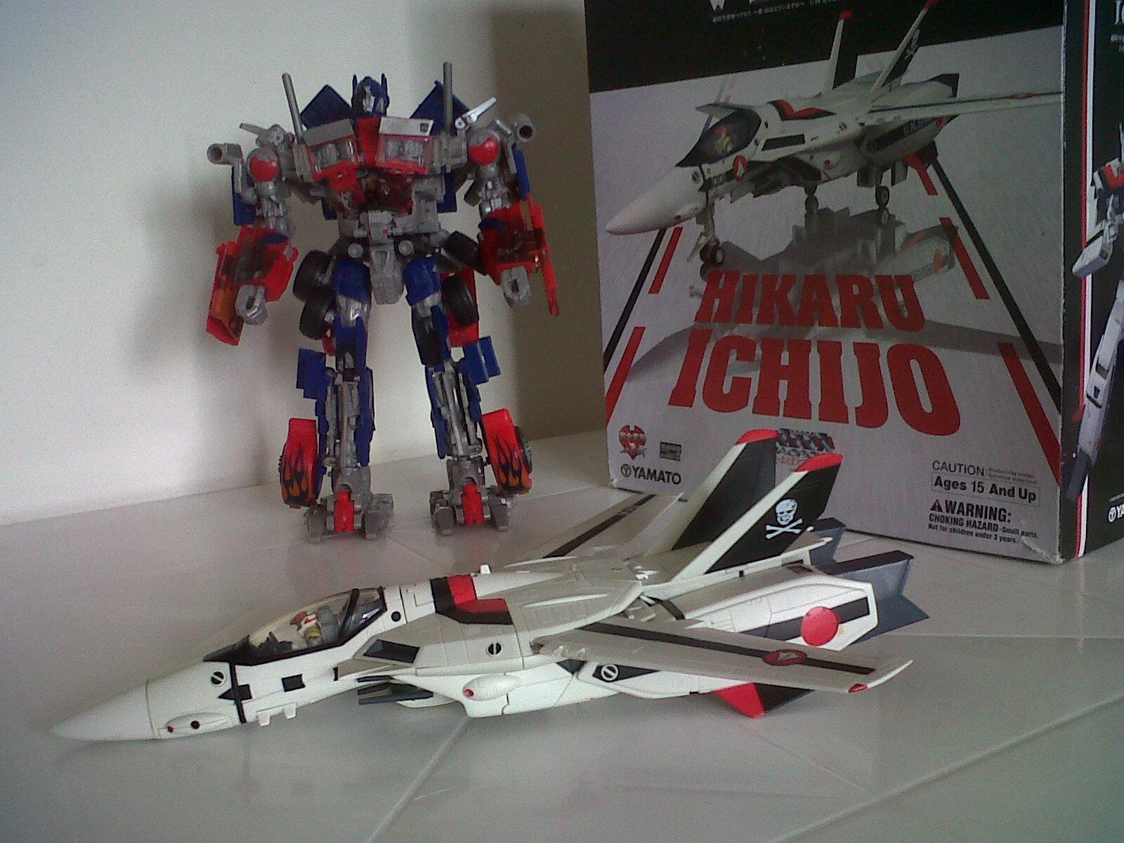 VF - 1S 1/48 Yamato Hikaru Ichijo