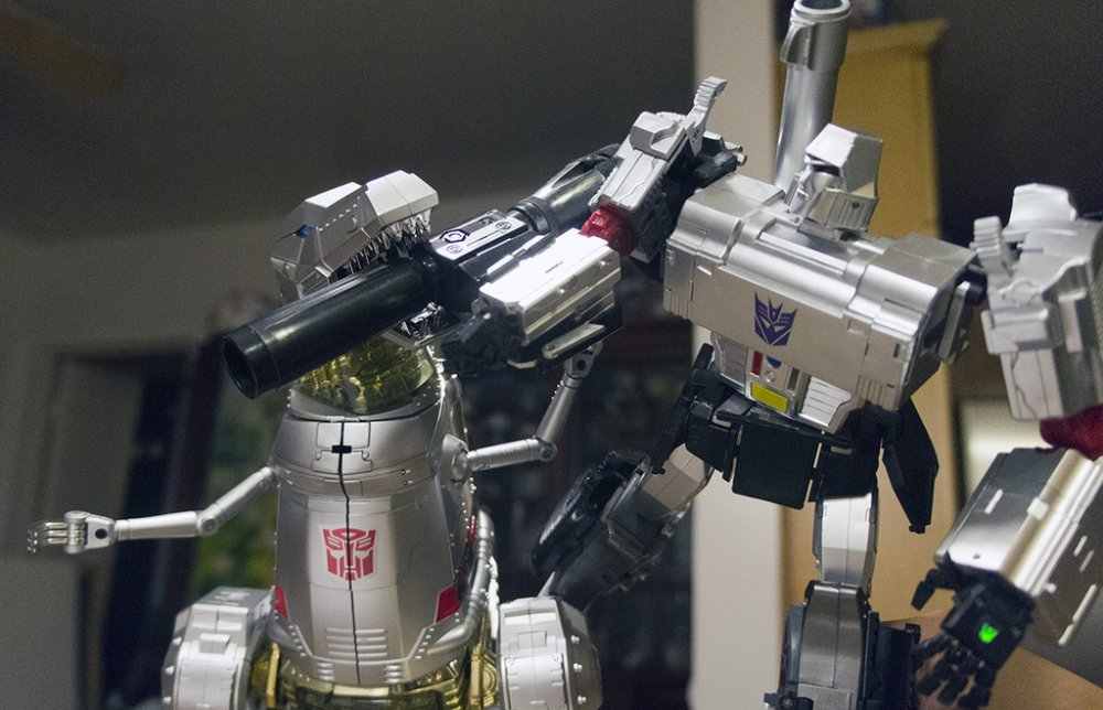 Transformers_MegatronVsGrimlock_DSC04316_zpsy1ipxz8i.JPG