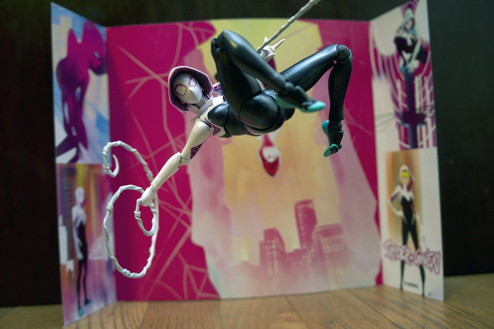 Marvel_Revo_Spider-Gwen_DSC06097.thumb.jpg.37585042e386245c517eaf48a1571bbc.jpg