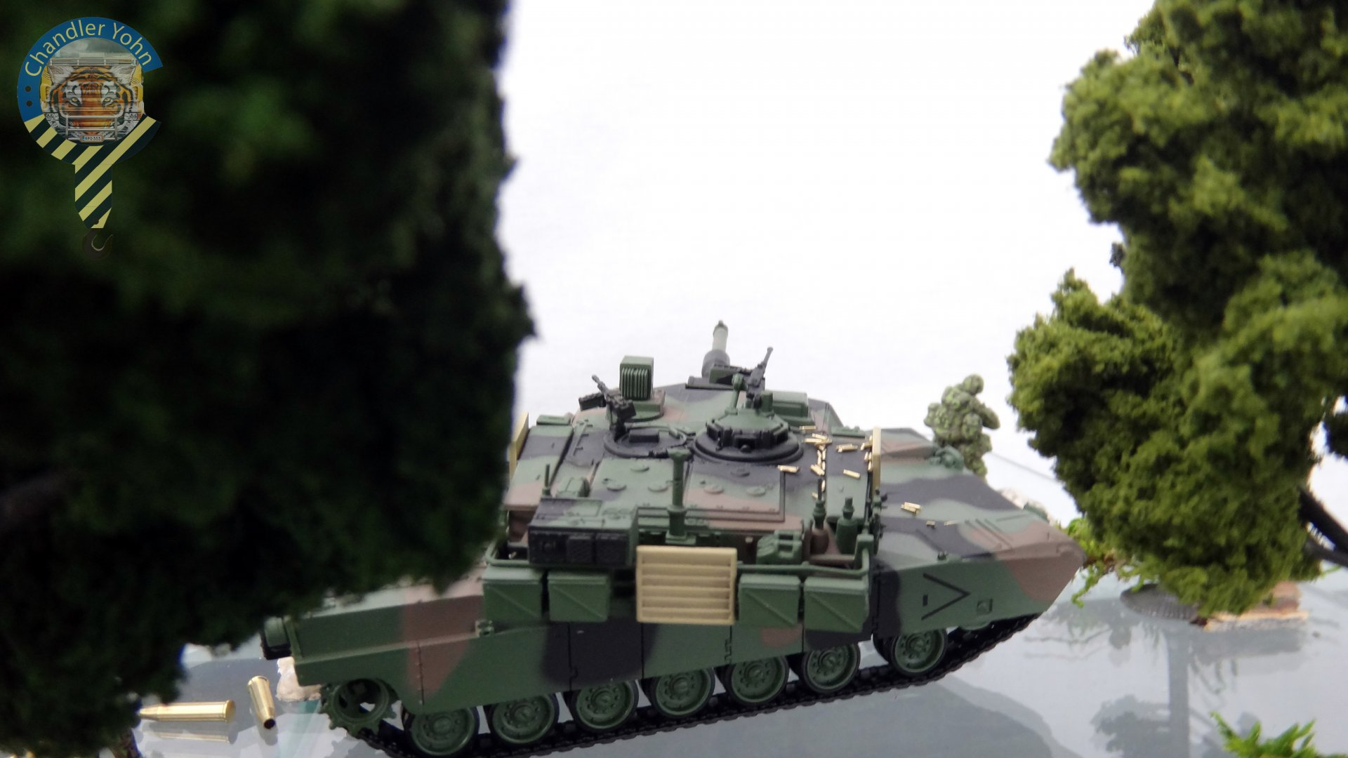 Bandai Zaentradi Glaug Crash AH64-D Apache M1 Abrams Yamato Tomahawk Destroid 18.jpg