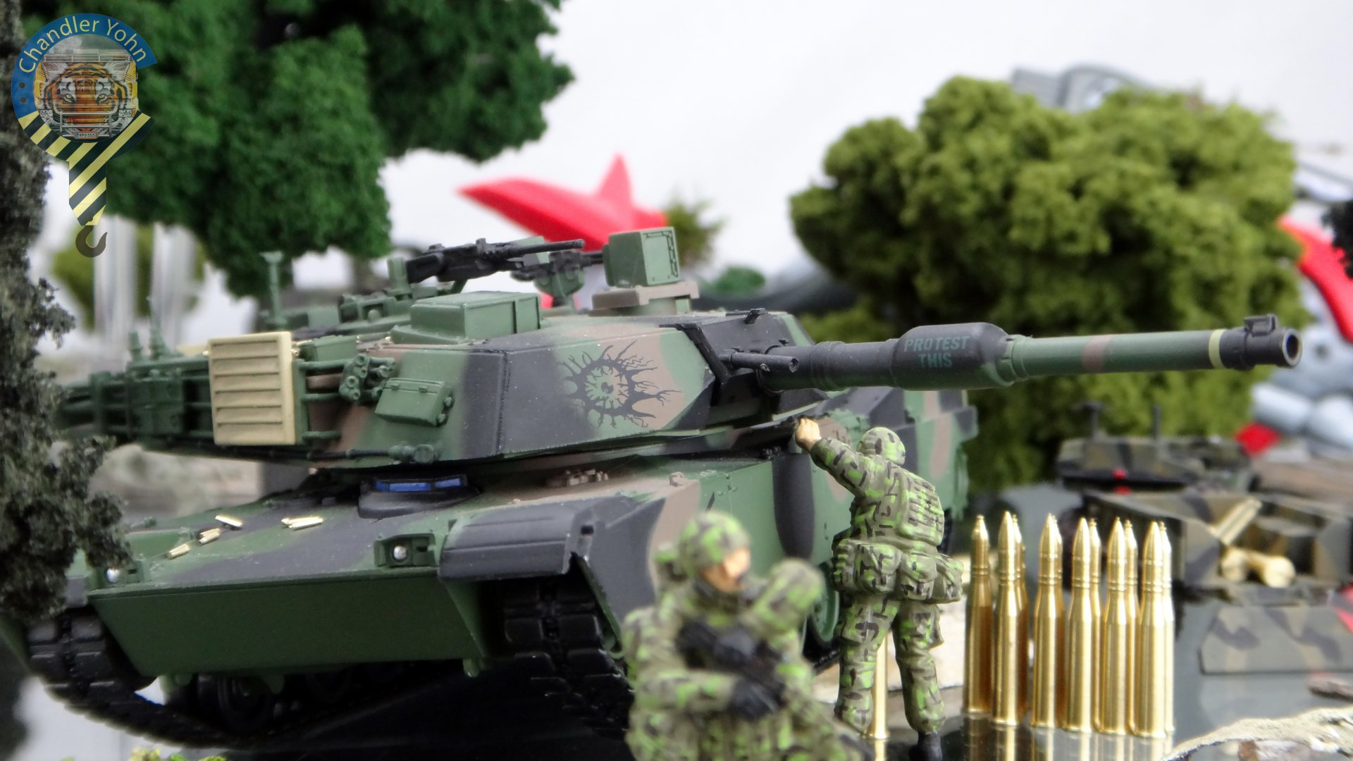 Bandai Zaentradi Glaug Crash AH64-D Apache M1 Abrams Yamato Tomahawk Destroid 25.jpg