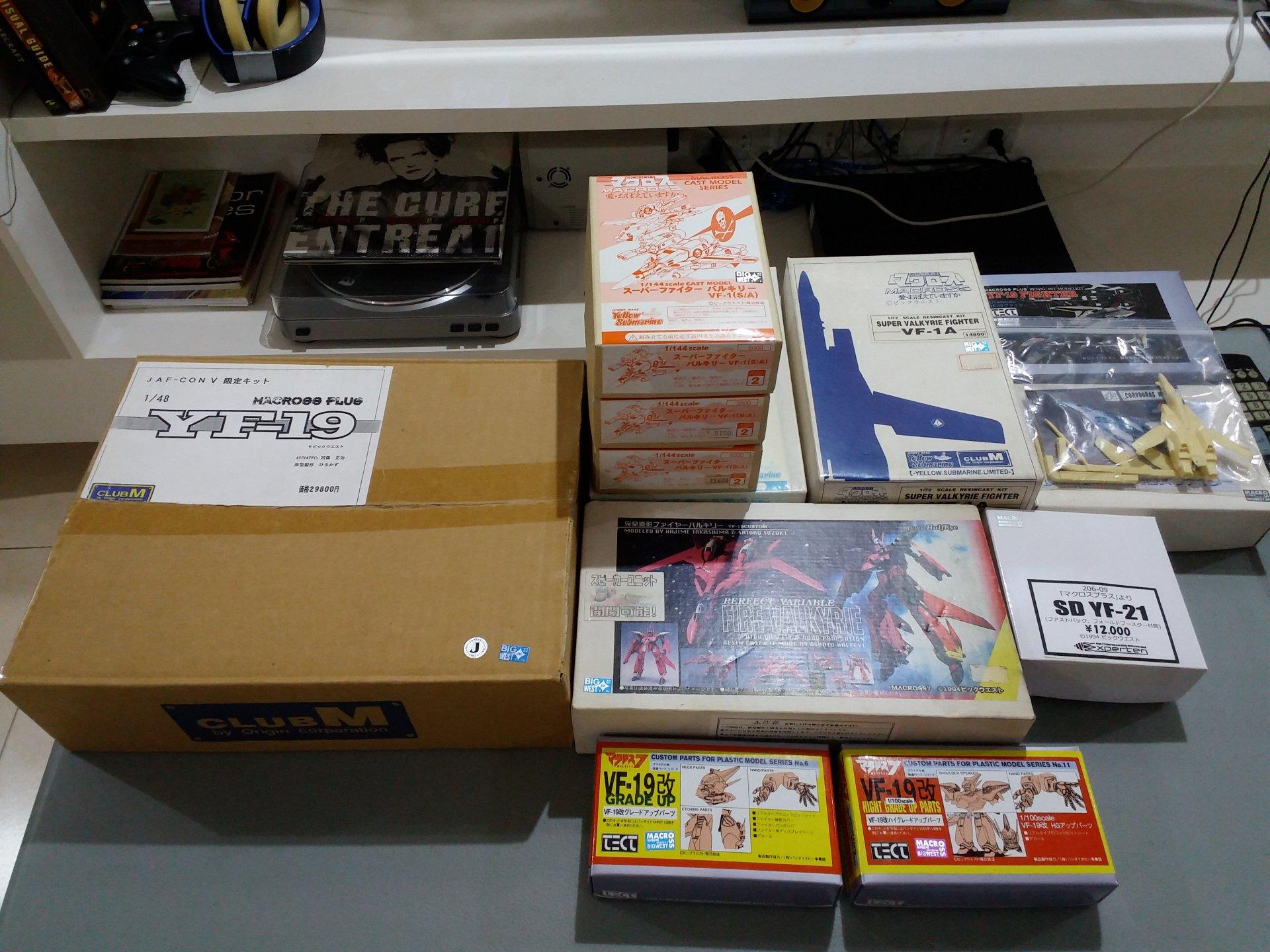 Macross Resin Kit Collection (7).jpg