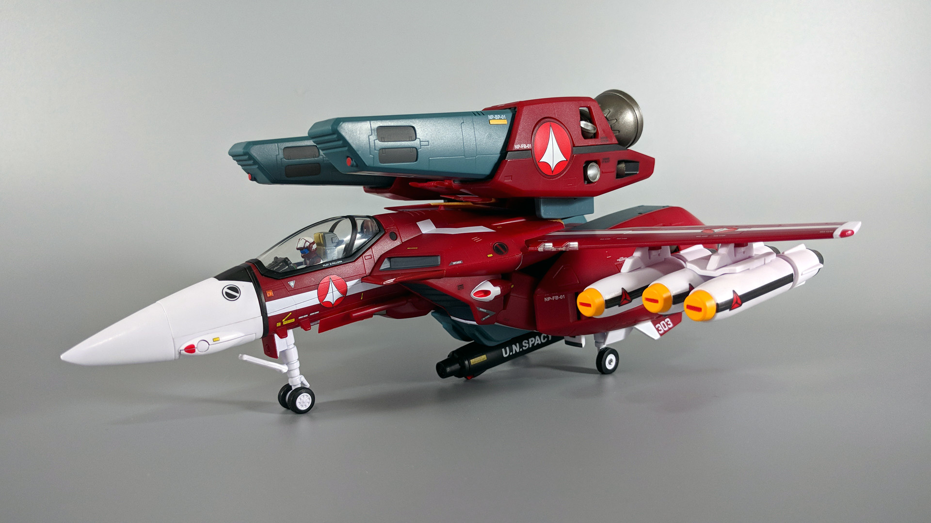 VF-1J Miria PF 06.jpg