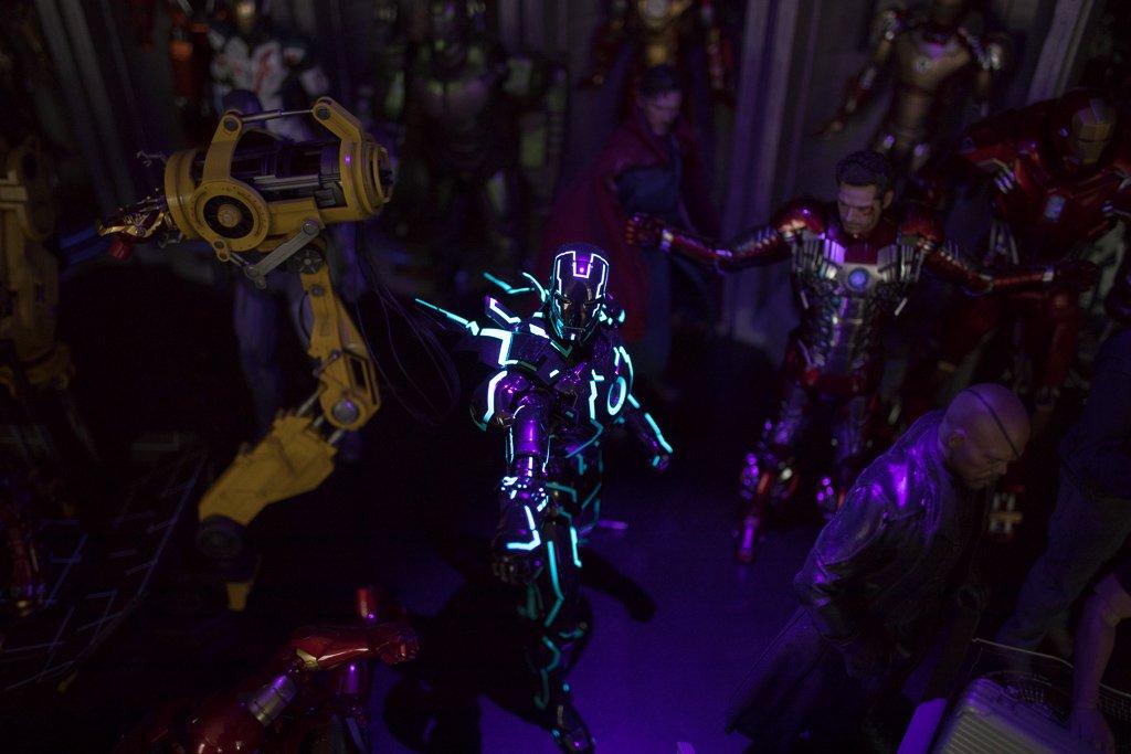 Toys_IM_Neon_20180726_0002.jpg