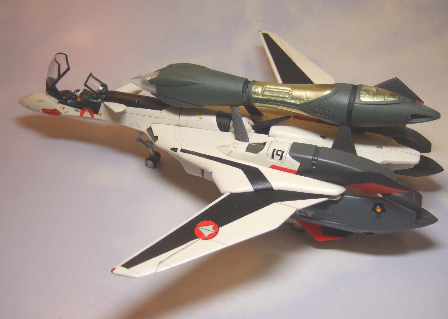 Club M 1-72 YF-19 Finished 3.jpg