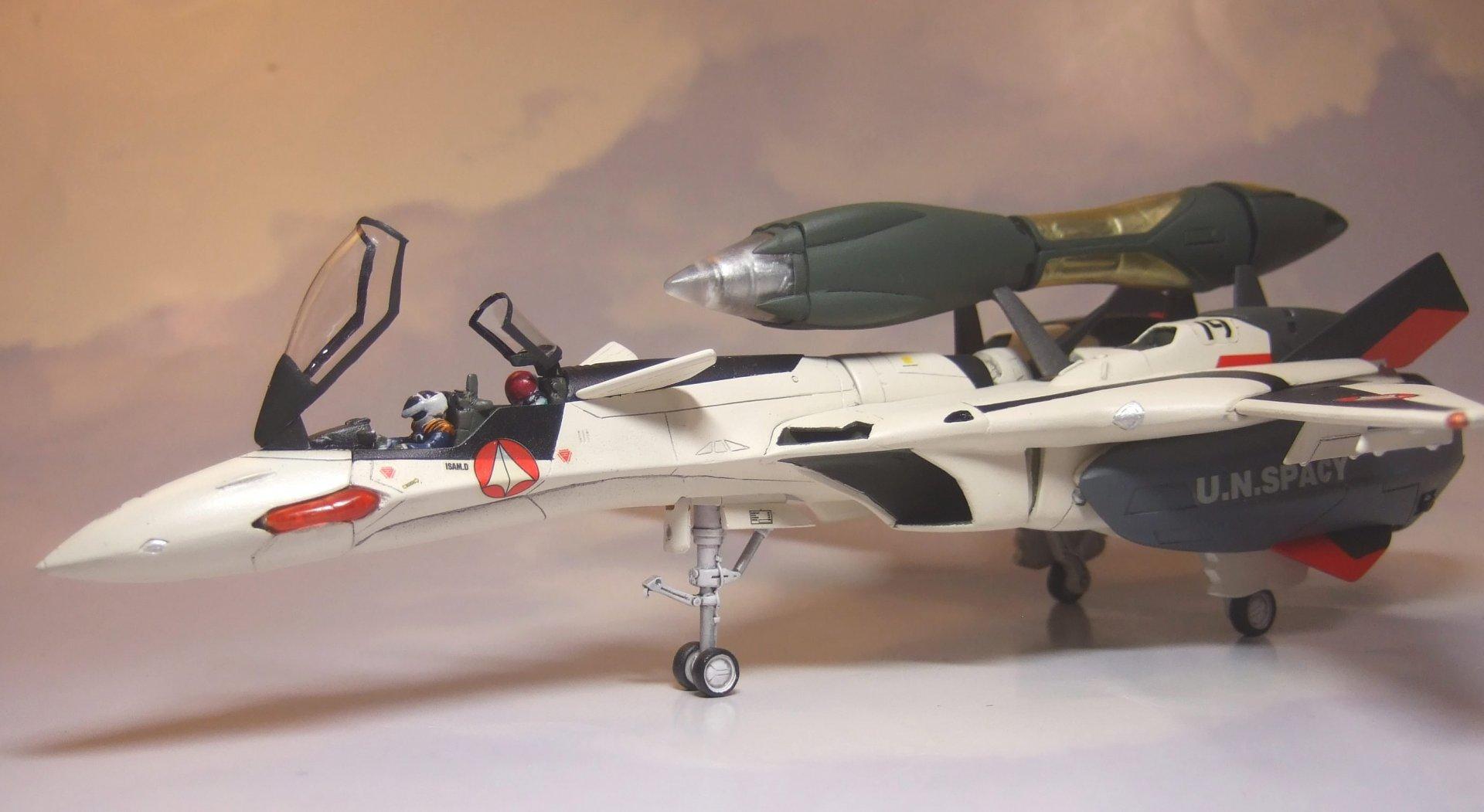 Club M 1-72 YF-19 Finished 4.jpg