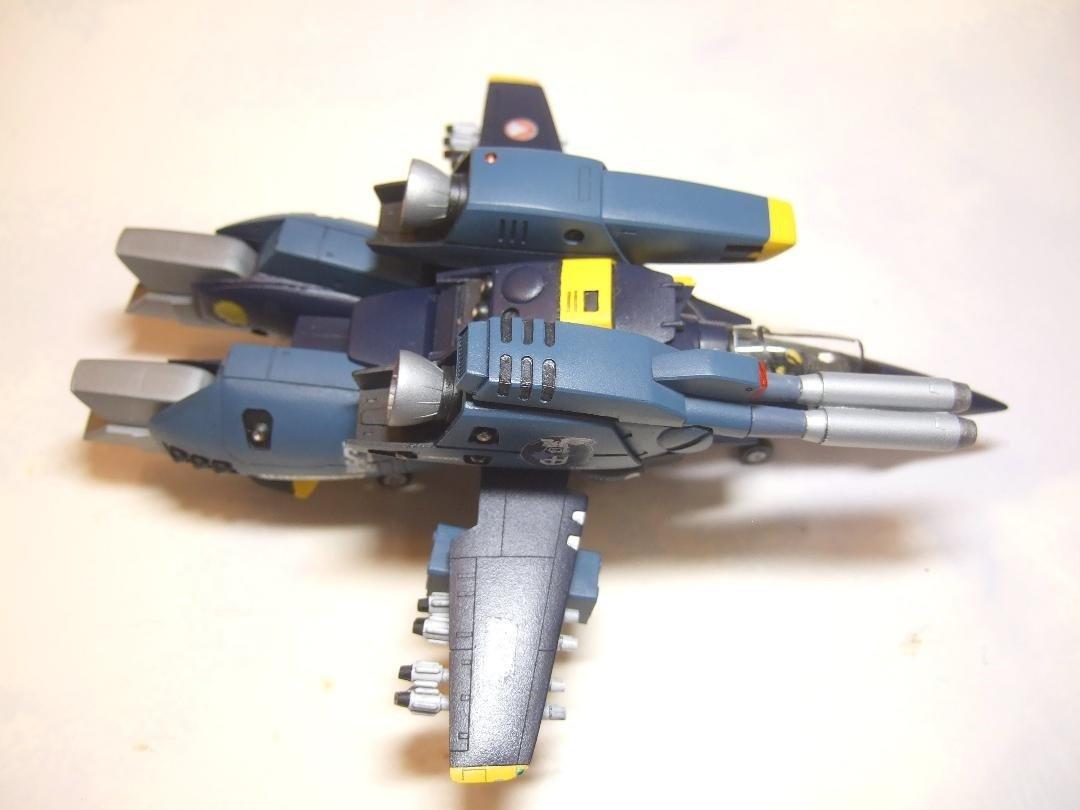 Yellow Submarine 1-100 VF-1S Strike Completed (1).jpg