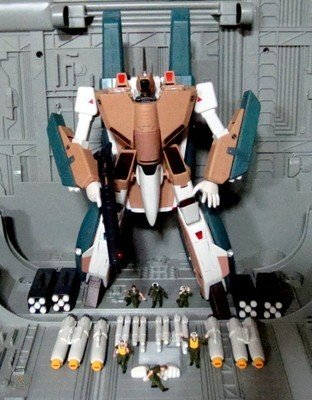 macross-robotech-yamato-48-vf-1a-mass_1_001dc2ea22b78a2299938b8f73c56a85.jpg