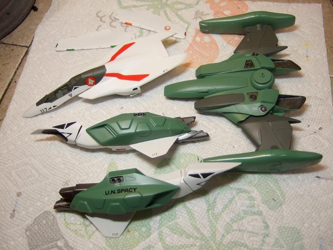 Musasiya 1-72 VF-2SS Valkyrie Project Parts (11).jpeg