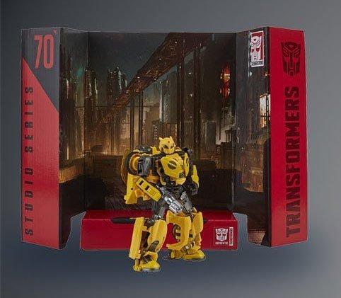 Studio-Series-Cybertronian-Bumblebee.thumb.jpg.5b8366b156ae2eeb9d0e06654e53df65.jpg