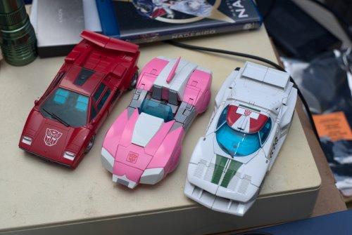 autobots1.thumb.jpg.bf92e8935ff701b1c26bae3b69e4f640.jpg