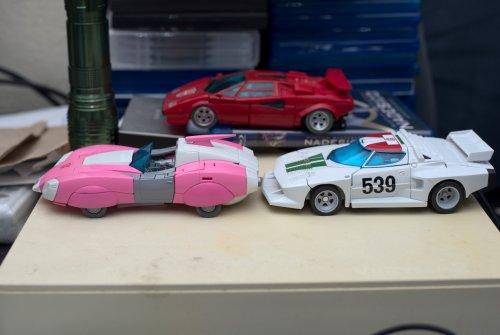 autobots2.thumb.jpg.fe0a476f1e34406e78794138fd58c843.jpg